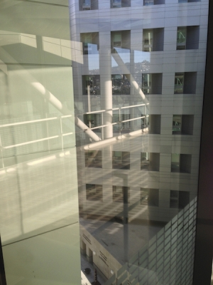 The Steel, Glass, and Shadows of L A 's Cedar-Sinai