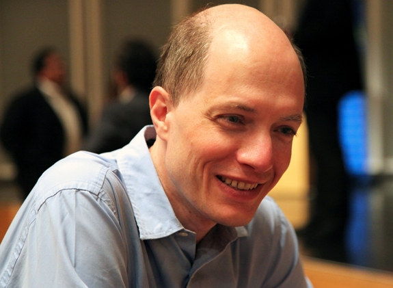 a literary analysis of the art of travel by alain de botton Alan riding reviews book the art of travel by alain de botton (m)  soul mate in  the main character, who concludes that dreaming of london is.