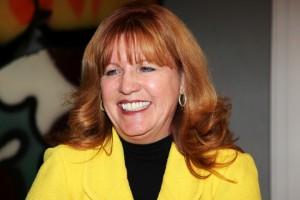 Cynthia Graff