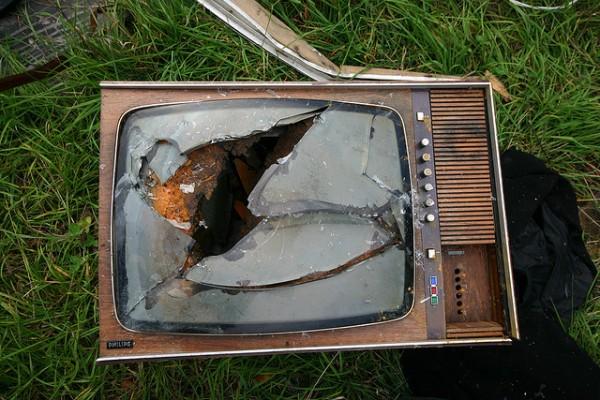 broken-TV_My-Golden-Ride-in-the-Idiot-Box