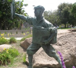Newspaper boy statue in MacArthur Park