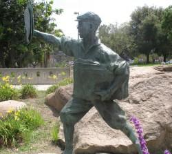 Newspaper boy statue in MacArthur Park