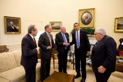 President Barack Obama meets with, left to right, former Defense Secretary William Perry; former Sen. Sam Nunn (D-Georgia); former Secretary of State George P. Shultz; and former Secretary of State Henry Kissinger in the Oval Office