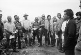 Cesar Chavez with farmworkers, Photo by Mimi Plumb, 1975-1
