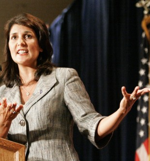South Carolina's Governor Nikki Haley gestures as she address the RedState Gathering of conservative activists in Charleston, South Carolina, August 13, 2011. REUTERS/Mary Ann Chastain  (UNITED STATES - Tags: POLITICS) - RTR2PWES
