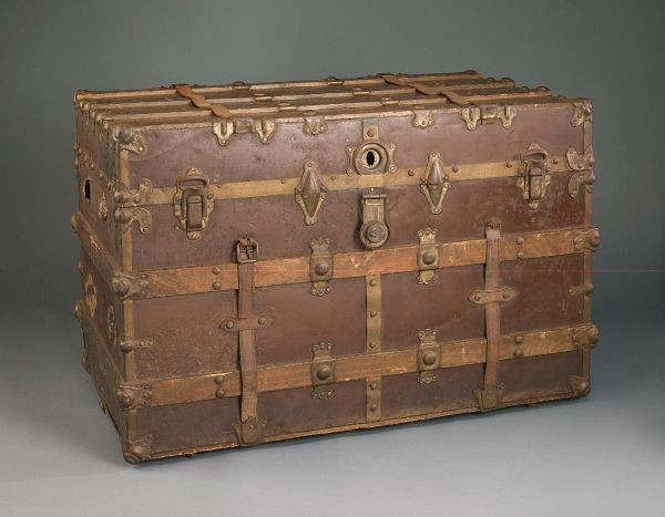 A trunk belonging to a Japanese immigrant who came to Hawaii to work on a sugar cane plantation in 1902