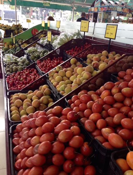 Colombian fruit market