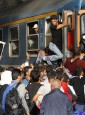 Migrants stoming trains in the Keleti train station in Budapest, Hungary, September 3, 2015 as Hungarian police withdrew from the gates after two days of blocking their entry.      REUTERS/Laszlo Balogh      TPX IMAGES OF THE DAY - RTX1QUG1