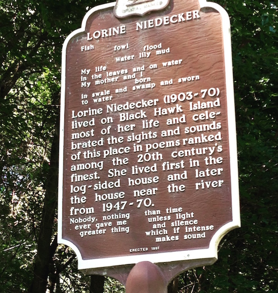 picture of the Niedecker plaque_bySiobhanPhiillps