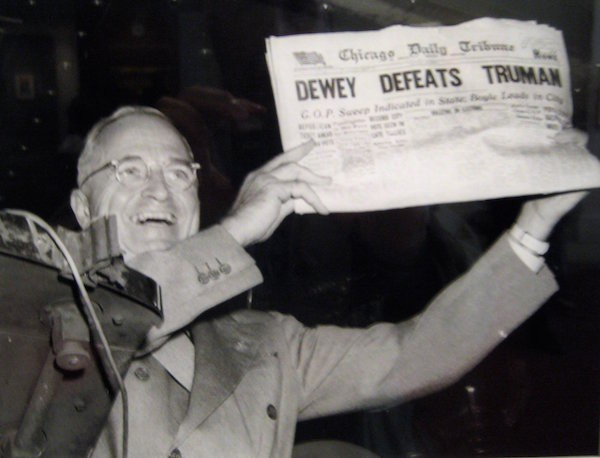 Harry Truman defeats Thomas Dewey.