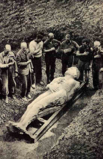 "Excavation of the ""Cardiff Giant"" in 1869."