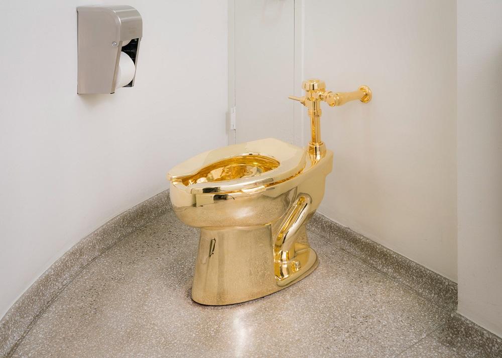 murray-on-golden-toilet-1000pxl