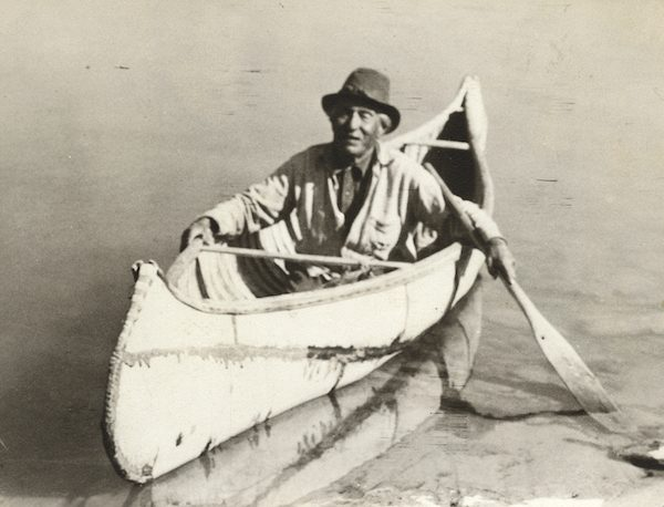 Native American canoes typically did not have seats, so paddlers knelt, leaned against a thwart, or sat on their heels.