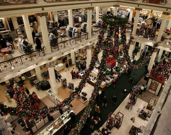 Marshall Field's at Christmas in 2005, the last year before it was rebranded as a Macy's.