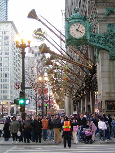 Crowds in front of Marshall Field's in 2005.
