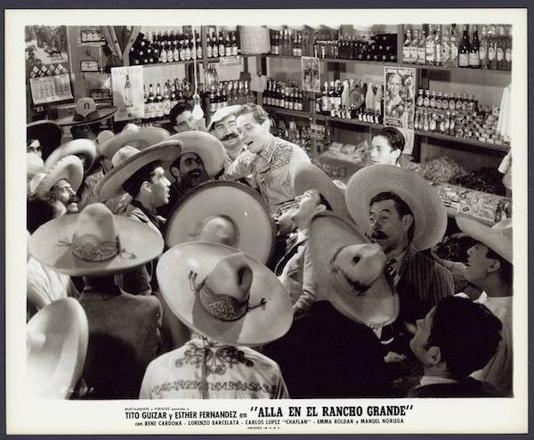 Characters sing together in Allá en el Rancho Grande (Over on the Big Ranch, 1936).