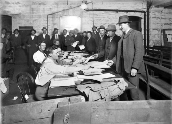 Australian men at the Town Hall in Melbourne enlisting for service in World War I.