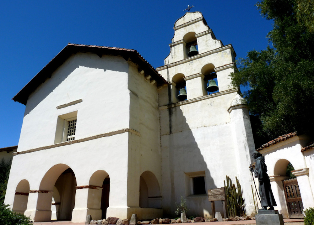 the mission san juan bautista which sits on the san andreas fault has endured earthquakes and witnessed the violent clash of civilizations